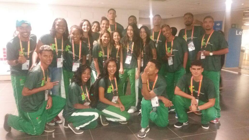 Alguns dos 99 alunos e servidores da delegação do IF Baiano no JIFs - Nordeste.