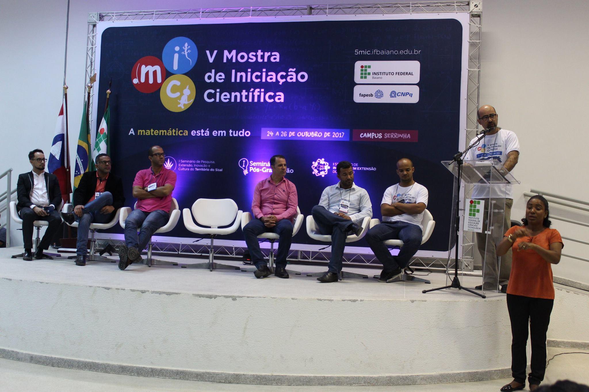 Cerimônia da abertura da V Mostra de Iniciação Científica. Foto: Larissa Queiroz.