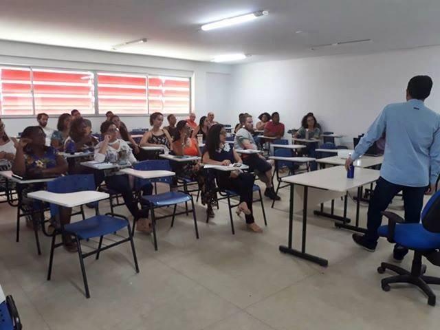 Servidores do Campus Xique-Xique participam de atividade durante jornada acadêmica.